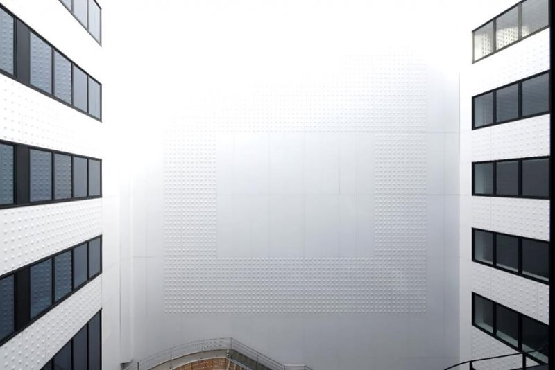 Lesprit art déco dun immeuble parisien renouvelé avec corian
